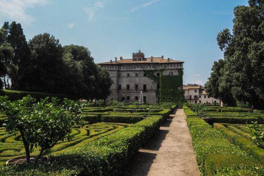 Castello_Ruspoli_Vignanello1