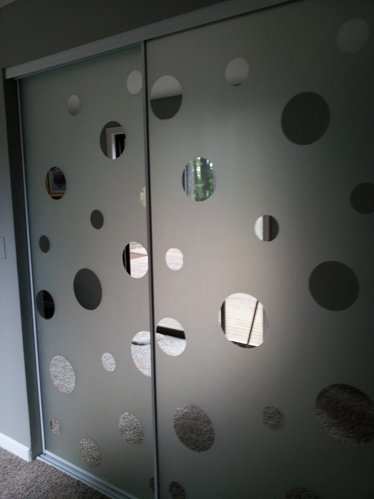 Portholes Mirror Closet Doors  Http://www.wallpaperforwindows.com/decorating_ideas