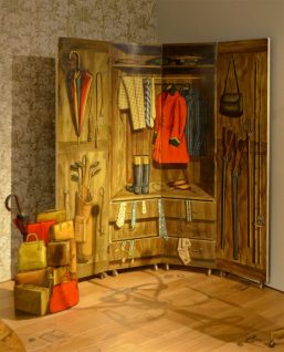 Screen-detail of wardrobe from the house in Varenna