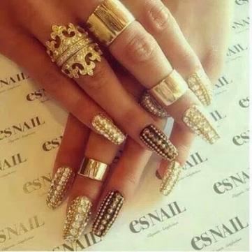 Gold Nails - ES Nail