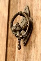 Lovers Door Knocker-Found on: Picmia