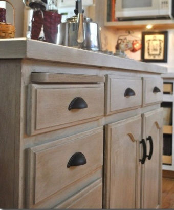 White Wash on Oak-Found on: k1kitchens.com