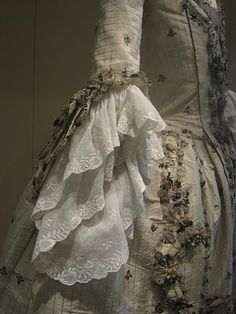 Kenneth Sanderson's 18th Century Dress