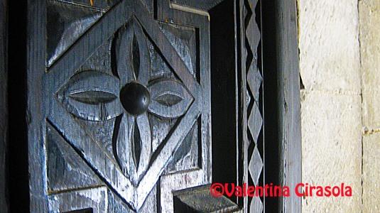 Antique_CastleDoor-Gioia